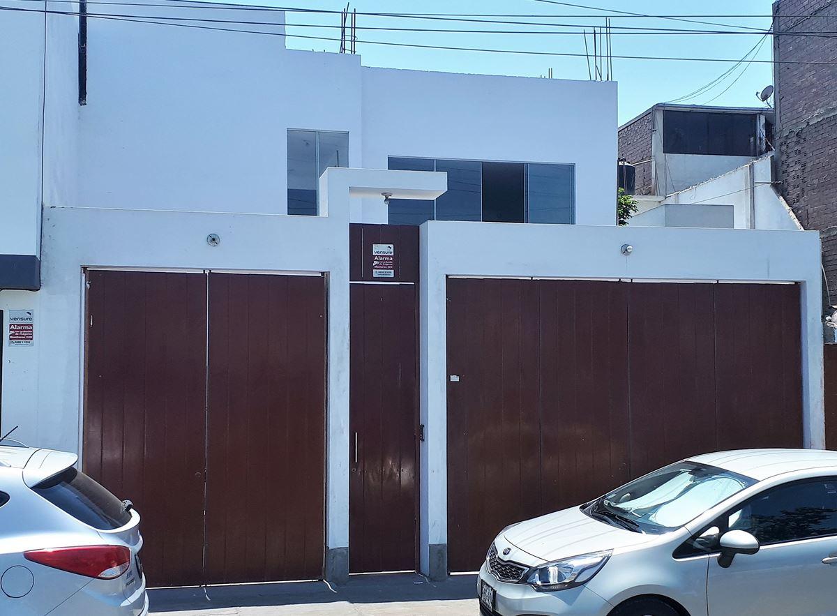 Alquilo excelente y amplio local comercial en Chorrillos