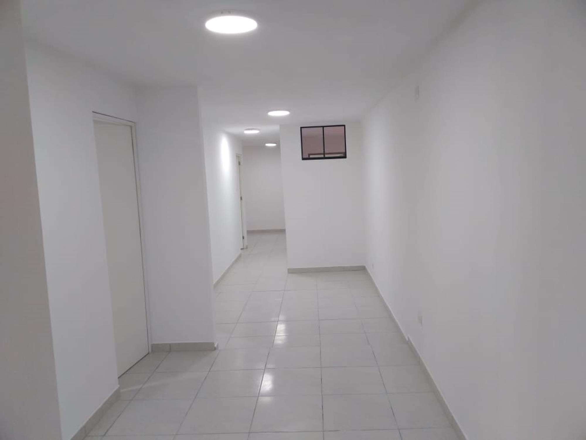 Alquilo Oficina en San Miguel