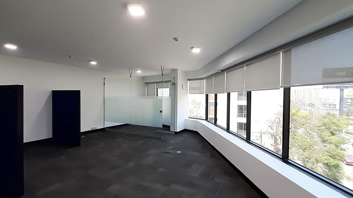 Alquilo Oficina en Centro Empresarial en San Isidro