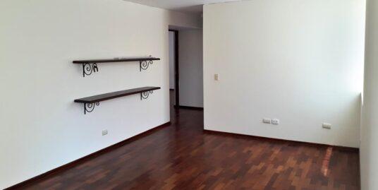 Vendo Departamento en Santiago de Surco